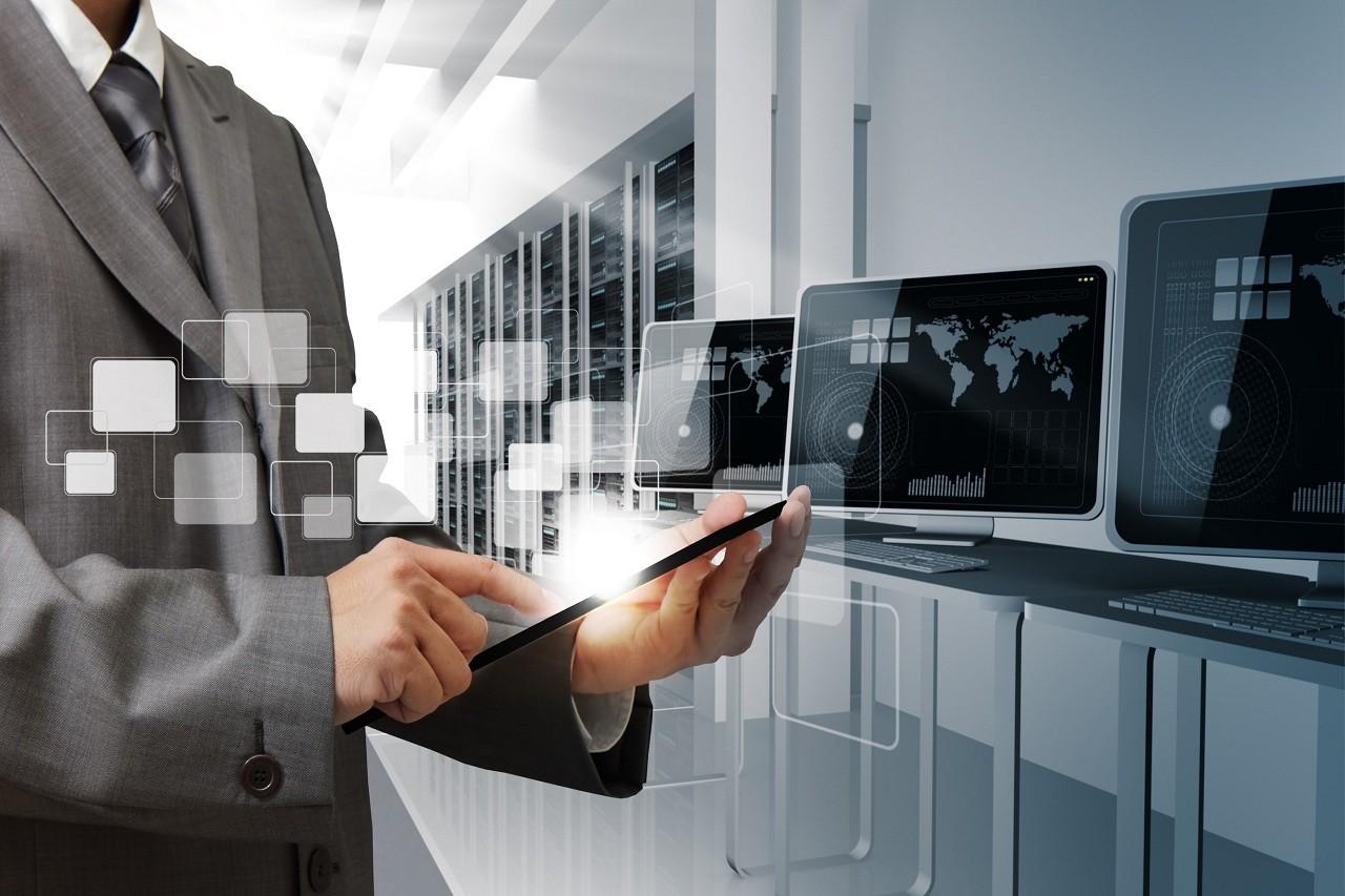 Интеграция с CRM и системами аналитики